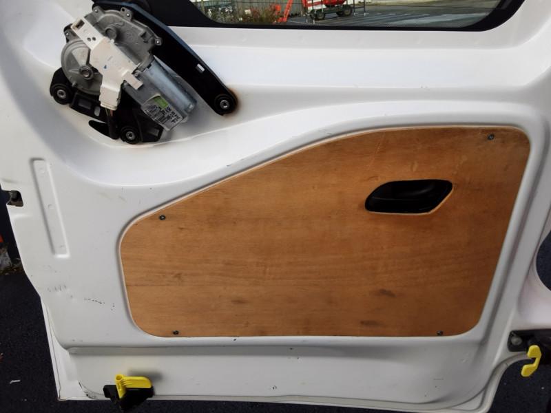 Photo 41 de l'offre de PEUGEOT PARTNER CABINE APPROFONDIE L2 1.6 HDI 90ch 5pl à 12900€ chez Centrale auto marché Périgueux