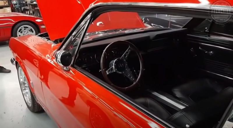Photo 8 de l'offre de FORD MUSTANG COUPE 289 CI V8 Rouge à 38500€ chez Centrale auto marché Périgueux