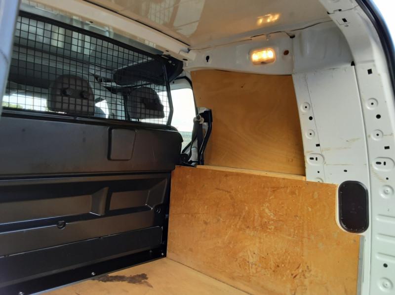 Photo 8 de l'offre de PEUGEOT PARTNER CABINE APPROFONDIE L2 1.6 HDI 90ch 5pl à 12900€ chez Centrale auto marché Périgueux