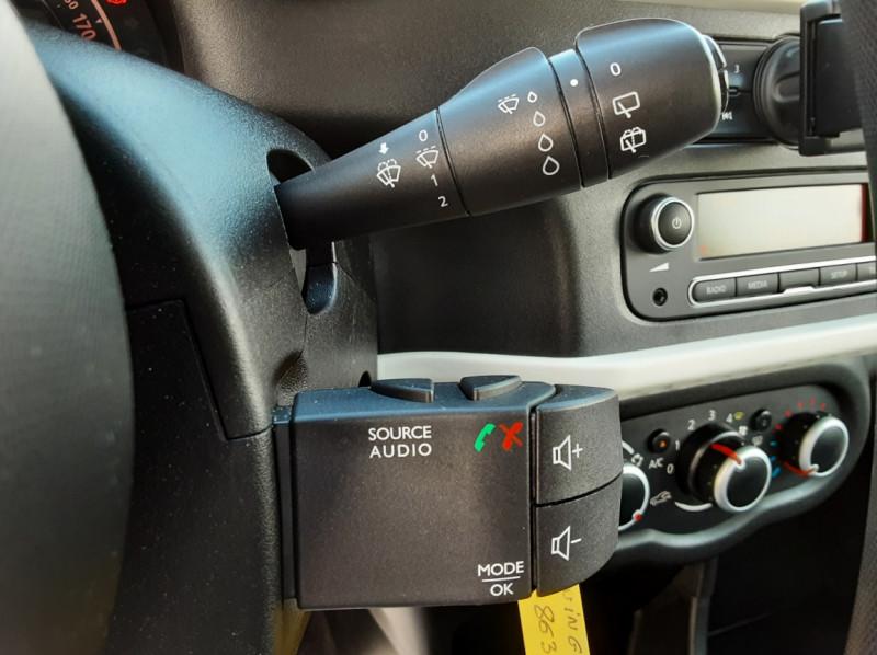 Photo 43 de l'offre de RENAULT TWINGO III 0.9 TCe 90 Energy Zen  à 8990€ chez Centrale auto marché Périgueux