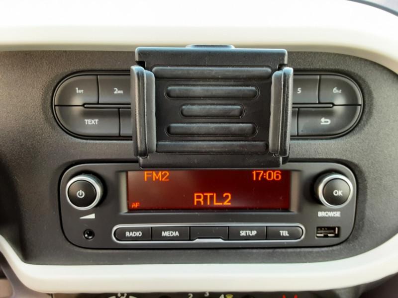 Photo 40 de l'offre de RENAULT TWINGO III 0.9 TCe 90 Energy Zen  à 8990€ chez Centrale auto marché Périgueux