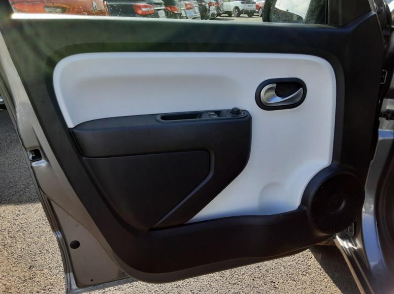 Photo 34 de l'offre de RENAULT TWINGO III 0.9 TCe 90 Energy Zen  à 8990€ chez Centrale auto marché Périgueux