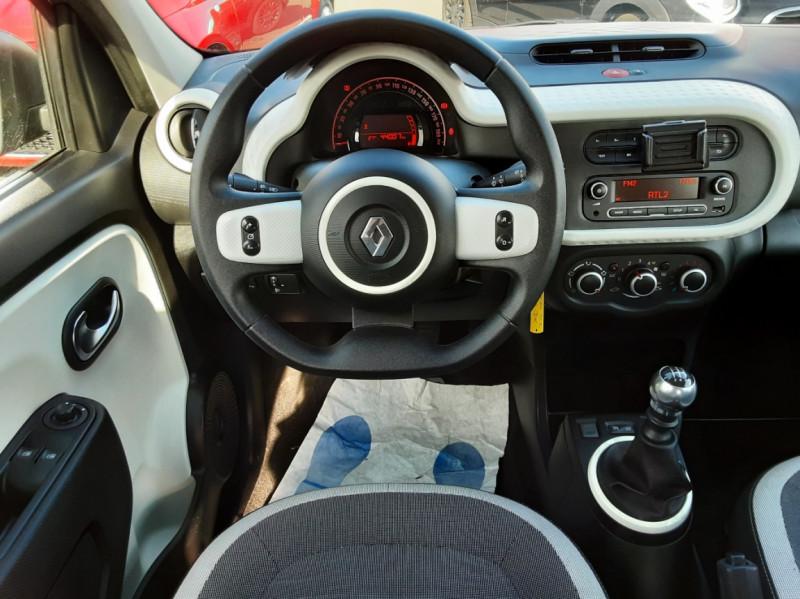 Photo 37 de l'offre de RENAULT TWINGO III 0.9 TCe 90 Energy Zen  à 8990€ chez Centrale auto marché Périgueux