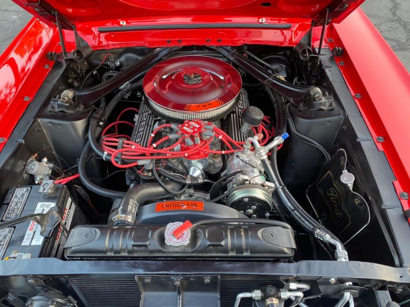 Photo 25 de l'offre de FORD MUSTANG CABRIOLET 289 CI V8 à 58000€ chez Centrale auto marché Périgueux