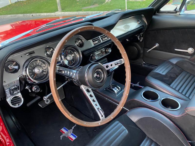 Photo 13 de l'offre de FORD MUSTANG CABRIOLET 289 CI V8 à 58000€ chez Centrale auto marché Périgueux