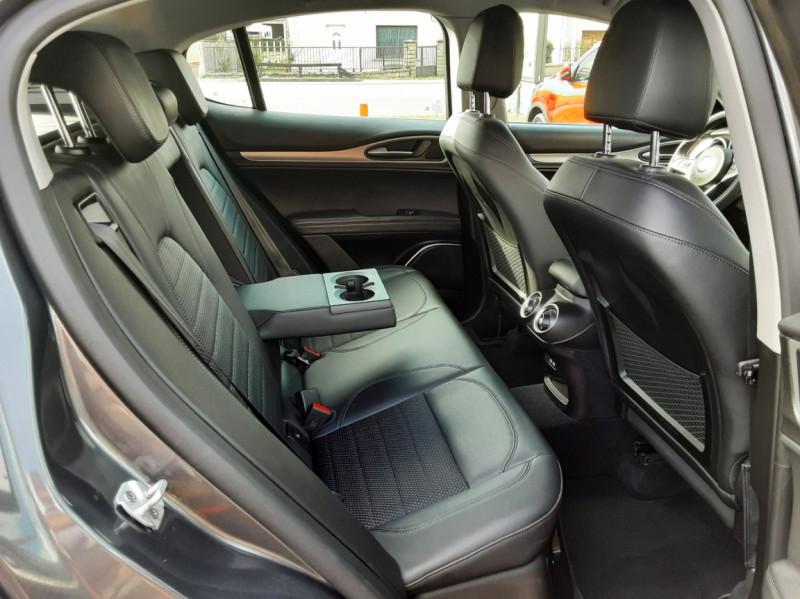 Photo 12 de l'offre de ALFA ROMEO STELVIO 2.2 190 ch AT8 Super  à 32900€ chez Centrale auto marché Périgueux