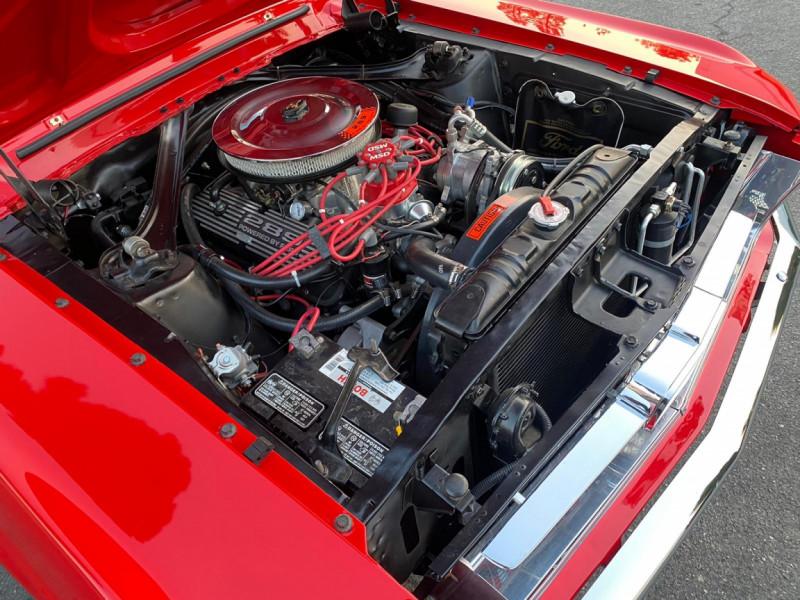 Photo 26 de l'offre de FORD MUSTANG CABRIOLET 289 CI V8 à 58000€ chez Centrale auto marché Périgueux