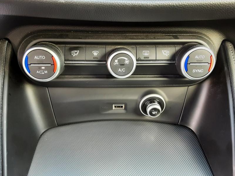Photo 30 de l'offre de ALFA ROMEO STELVIO 2.2 190 ch AT8 Super  à 32900€ chez Centrale auto marché Périgueux