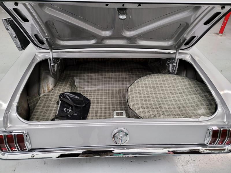 Photo 13 de l'offre de FORD MUSTANG COUPE 289 CI V8 GRIS à 33000€ chez Centrale auto marché Périgueux