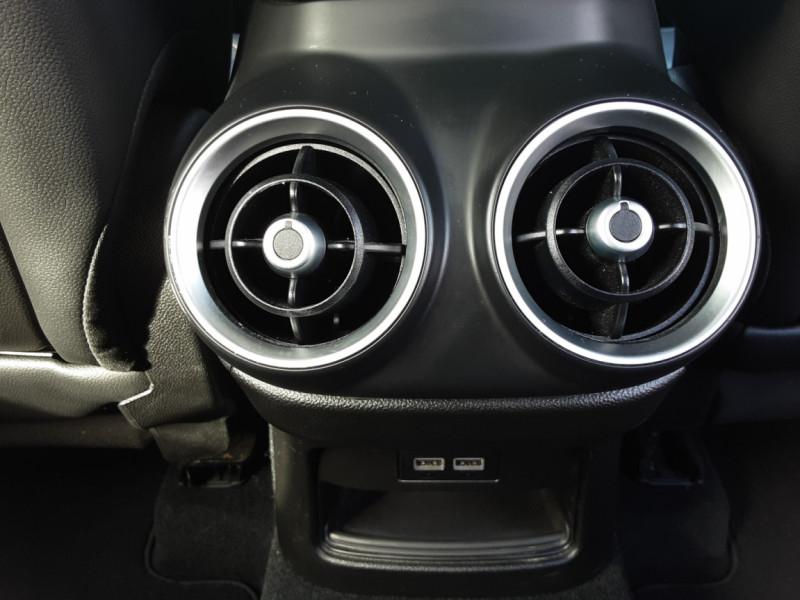 Photo 10 de l'offre de ALFA ROMEO STELVIO 2.2 190 ch AT8 Super  à 32900€ chez Centrale auto marché Périgueux