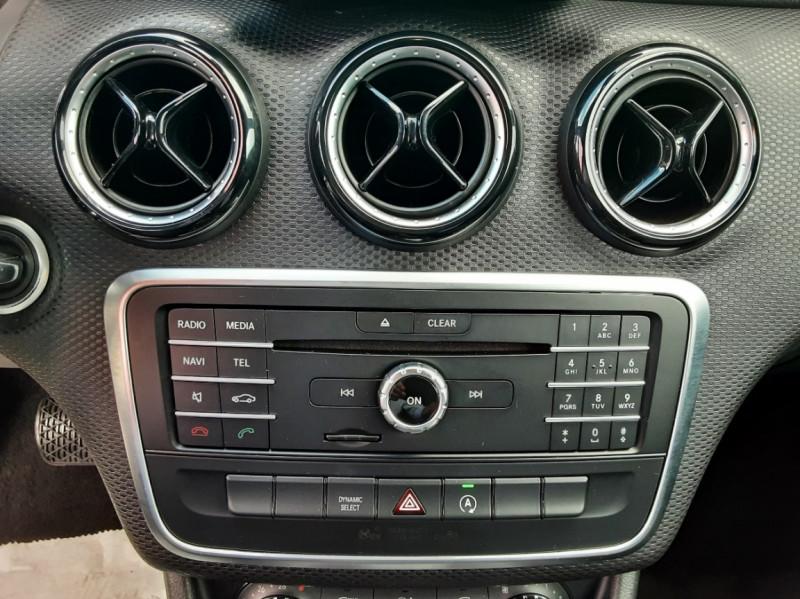 Photo 38 de l'offre de MERCEDES-BENZ CLASSE A 180 d 7G-DCT Business Edition à 17700€ chez Centrale auto marché Périgueux