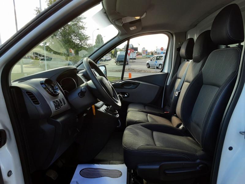 Photo 38 de l'offre de RENAULT TRAFIC FGN L2H1 DCI 115 GRAND CONFORT à 15700€ chez Centrale auto marché Périgueux