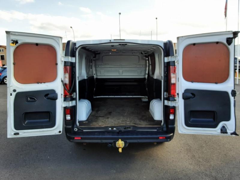 Photo 4 de l'offre de RENAULT TRAFIC FGN L2H1 DCI 115 GRAND CONFORT à 15700€ chez Centrale auto marché Périgueux