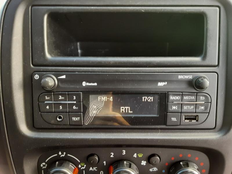 Photo 16 de l'offre de RENAULT TRAFIC FGN L2H1 DCI 115 GRAND CONFORT à 15700€ chez Centrale auto marché Périgueux