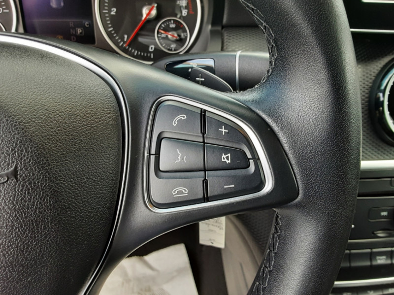 Photo 43 de l'offre de MERCEDES-BENZ CLASSE A 180 d 7G-DCT Business Edition à 17700€ chez Centrale auto marché Périgueux