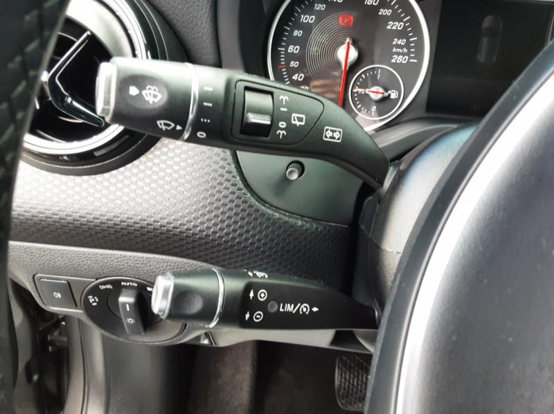 Photo 33 de l'offre de MERCEDES-BENZ CLASSE A 180 d 7G-DCT Business Edition à 17700€ chez Centrale auto marché Périgueux