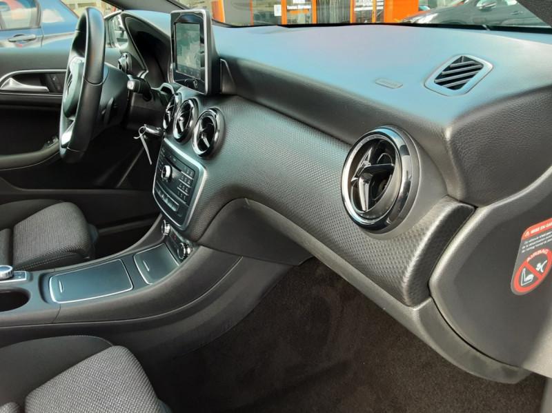 Photo 41 de l'offre de MERCEDES-BENZ CLASSE A 180 d 7G-DCT Business Edition à 17700€ chez Centrale auto marché Périgueux