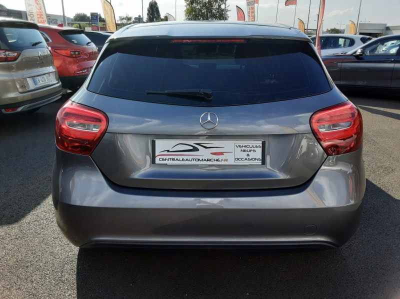Photo 24 de l'offre de MERCEDES-BENZ CLASSE A 180 d 7G-DCT Business Edition à 17700€ chez Centrale auto marché Périgueux