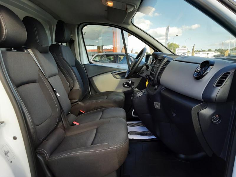 Photo 7 de l'offre de RENAULT TRAFIC FGN L2H1 DCI 115 GRAND CONFORT à 15700€ chez Centrale auto marché Périgueux