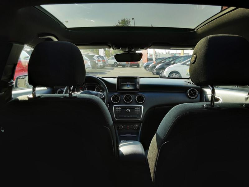 Photo 9 de l'offre de MERCEDES-BENZ CLASSE A 180 d 7G-DCT Business Edition à 17700€ chez Centrale auto marché Périgueux