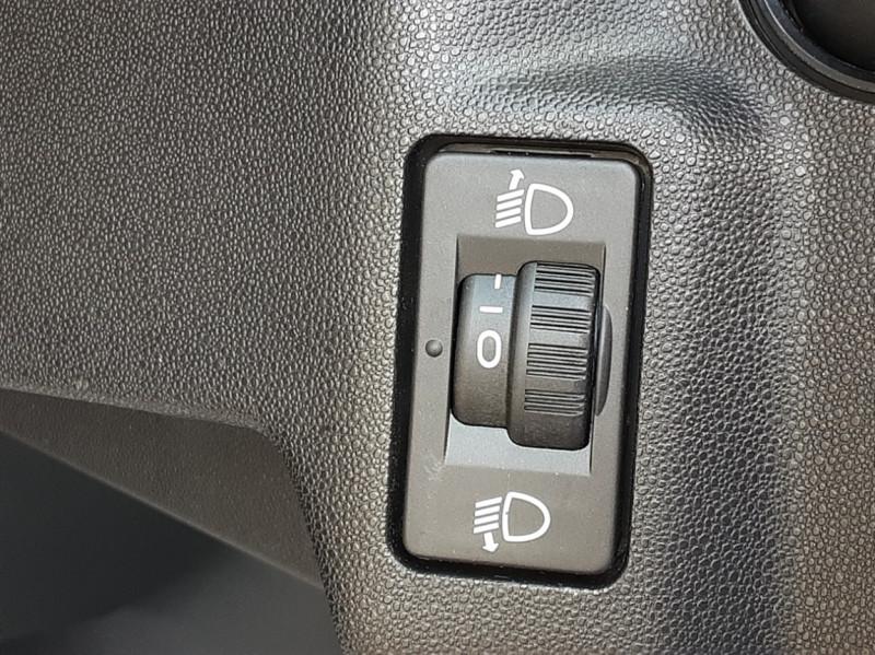 Photo 35 de l'offre de DS DS3 BlueHDi 100 SetS BVM5 So Chic à 13990€ chez Centrale auto marché Périgueux