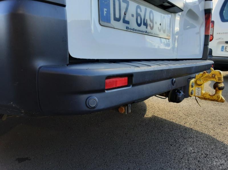 Photo 30 de l'offre de RENAULT TRAFIC FGN L2H1 DCI 115 GRAND CONFORT à 15700€ chez Centrale auto marché Périgueux