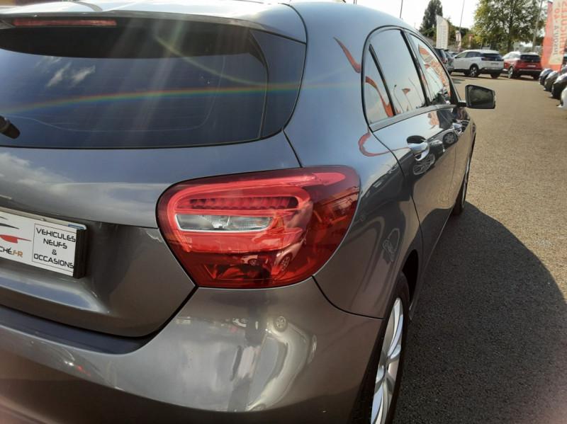 Photo 23 de l'offre de MERCEDES-BENZ CLASSE A 180 d 7G-DCT Business Edition à 17700€ chez Centrale auto marché Périgueux