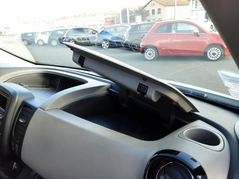Photo 10 de l'offre de RENAULT TRAFIC FGN L2H1 DCI 115 GRAND CONFORT à 15700€ chez Centrale auto marché Périgueux
