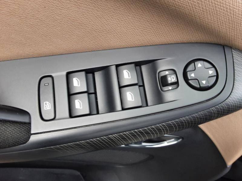 Photo 17 de l'offre de CITROEN C4 PICASSO e-HDi 115 Intensive à 9500€ chez Centrale auto marché Périgueux