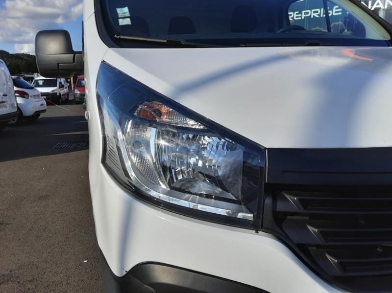 Photo 13 de l'offre de RENAULT TRAFIC FGN L2H1 DCI 115 GRAND CONFORT à 15700€ chez Centrale auto marché Périgueux