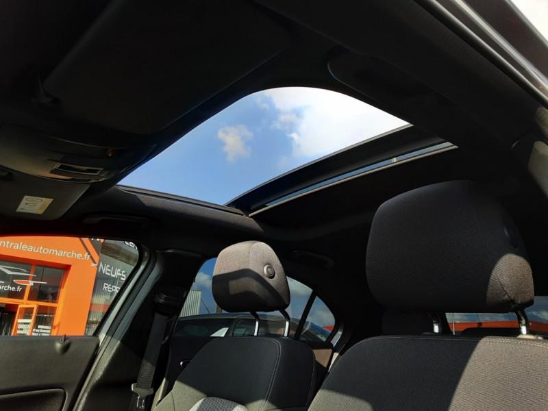 Photo 28 de l'offre de MERCEDES-BENZ CLASSE A 180 d 7G-DCT Business Edition à 17700€ chez Centrale auto marché Périgueux