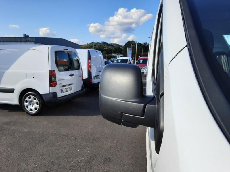 Photo 5 de l'offre de RENAULT TRAFIC FGN L2H1 DCI 115 GRAND CONFORT à 15700€ chez Centrale auto marché Périgueux