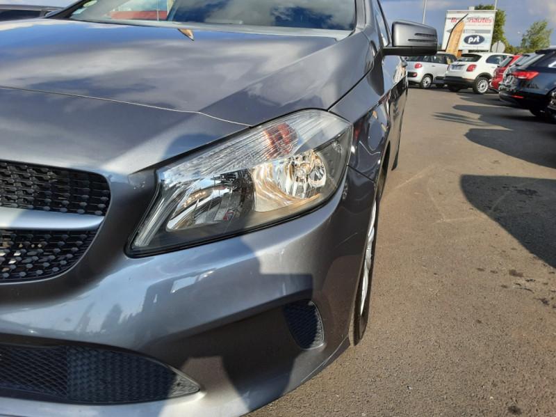 Photo 14 de l'offre de MERCEDES-BENZ CLASSE A 180 d 7G-DCT Business Edition à 17700€ chez Centrale auto marché Périgueux