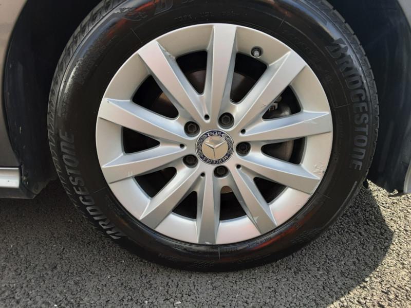 Photo 30 de l'offre de MERCEDES-BENZ CLASSE A 180 d 7G-DCT Business Edition à 17700€ chez Centrale auto marché Périgueux