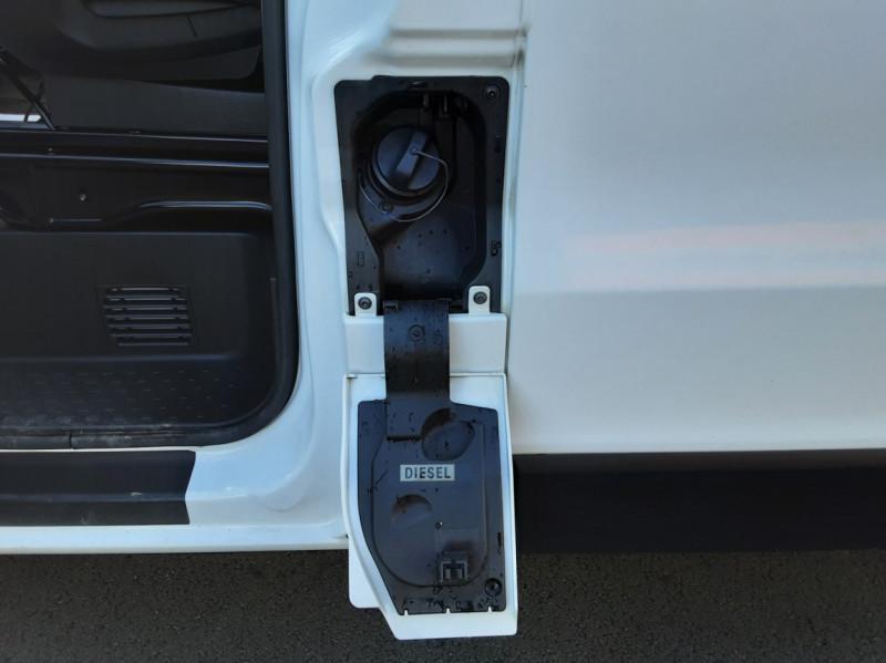 Photo 44 de l'offre de RENAULT TRAFIC FGN L2H1 DCI 115 GRAND CONFORT à 15700€ chez Centrale auto marché Périgueux