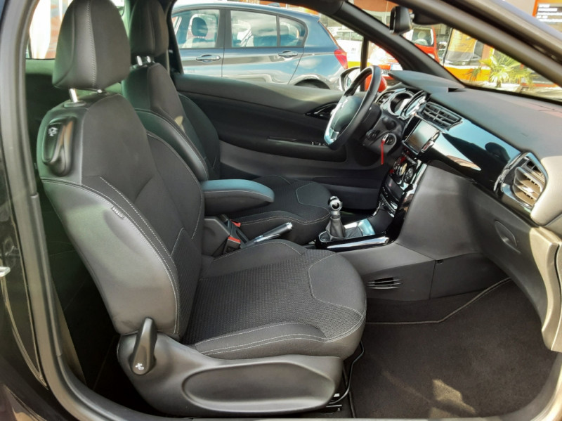 Photo 48 de l'offre de DS DS3 BlueHDi 100 SetS BVM5 So Chic à 13990€ chez Centrale auto marché Périgueux