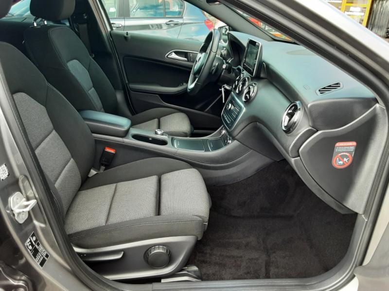 Photo 31 de l'offre de MERCEDES-BENZ CLASSE A 180 d 7G-DCT Business Edition à 17700€ chez Centrale auto marché Périgueux