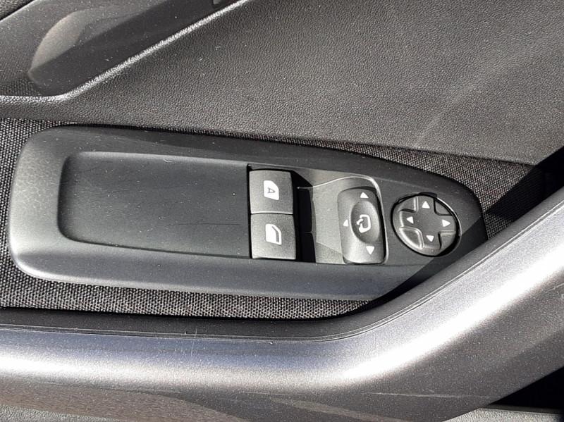 Photo 30 de l'offre de PEUGEOT 2008 BlueHDi 100ch SetS BVM5 Active Business à 15990€ chez Centrale auto marché Périgueux