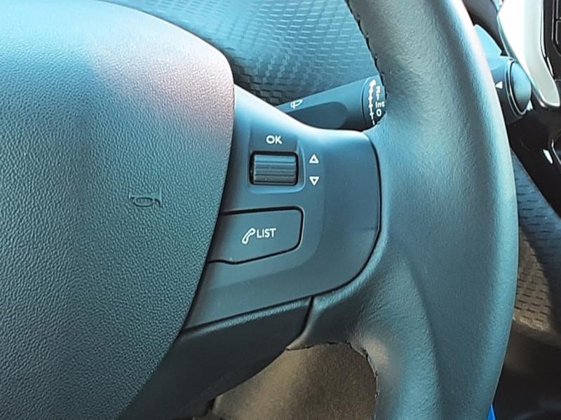 Photo 25 de l'offre de PEUGEOT 2008 BlueHDi 100ch SetS BVM5 Active Business à 15990€ chez Centrale auto marché Périgueux