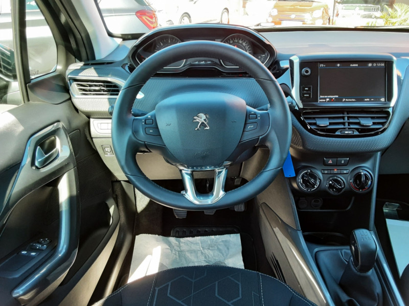 Photo 44 de l'offre de PEUGEOT 2008 BlueHDi 100ch SetS BVM5 Active Business à 15990€ chez Centrale auto marché Périgueux