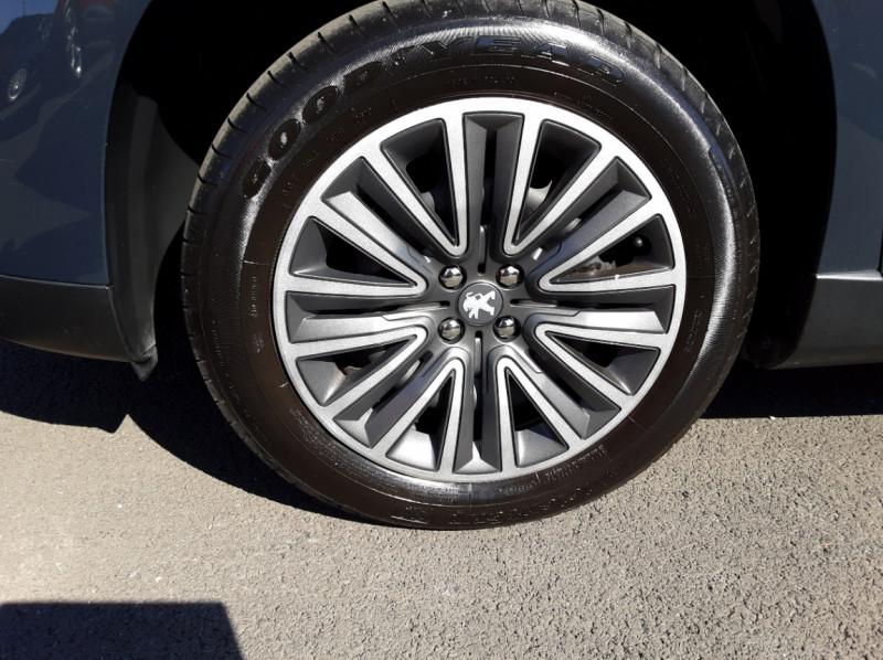Photo 39 de l'offre de PEUGEOT 2008 BlueHDi 100ch SetS BVM5 Active Business à 15990€ chez Centrale auto marché Périgueux