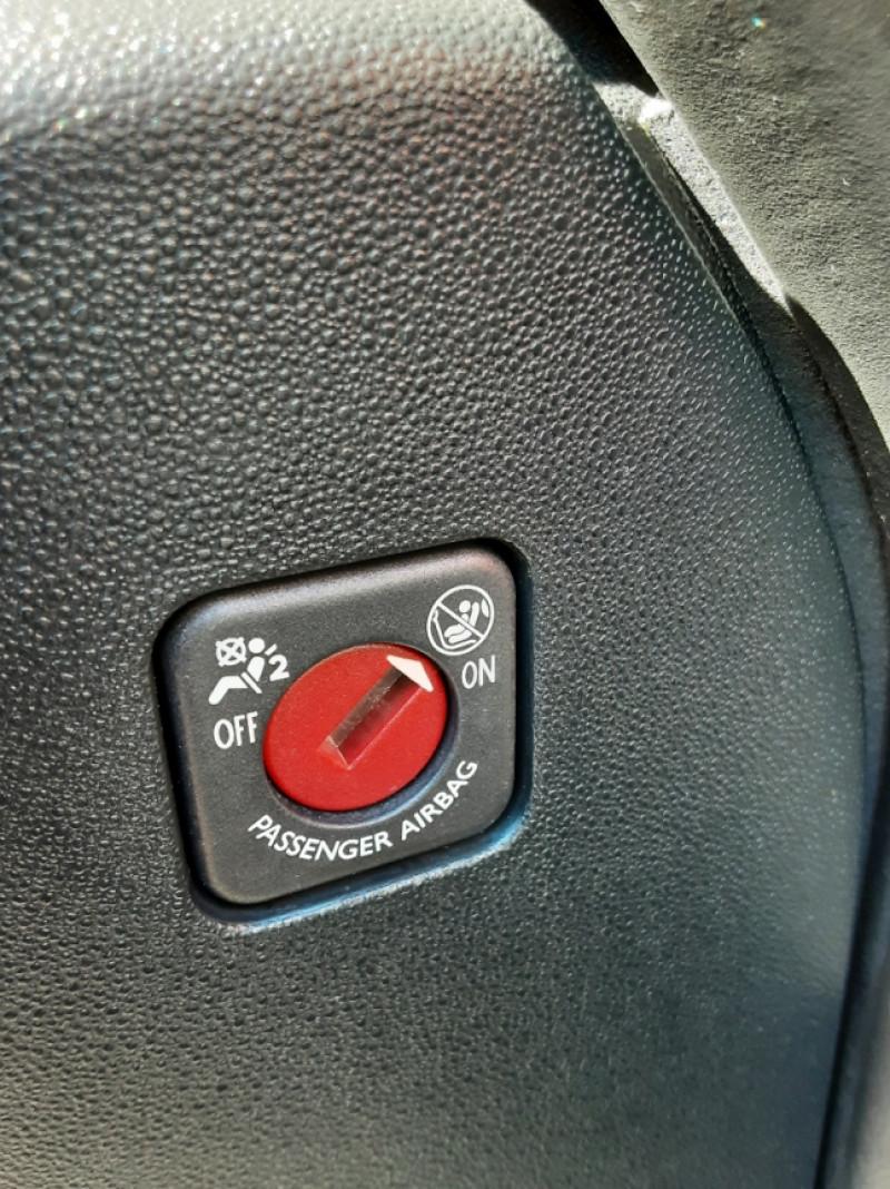 Photo 28 de l'offre de CITROEN C4 PICASSO BlueHDi 120 SetS EAT6 Business à 14700€ chez Centrale auto marché Périgueux