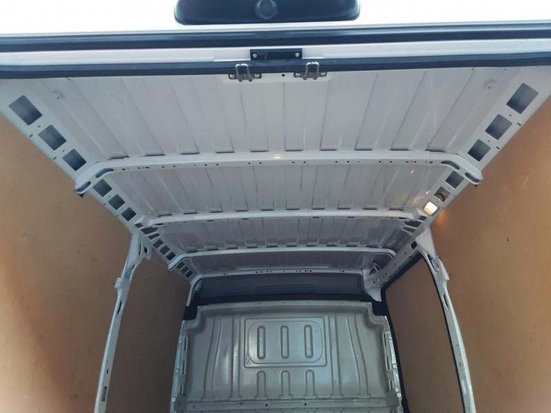 Photo 16 de l'offre de FIAT DUCATO 3.0 C H2 2.0 MJT 115 EURO 6 PACK PRO NAV à 19490€ chez Centrale auto marché Périgueux