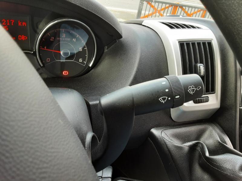 Photo 35 de l'offre de FIAT DUCATO 3.0 C H2 2.0 MJT 115 EURO 6 PACK PRO NAV à 19490€ chez Centrale auto marché Périgueux