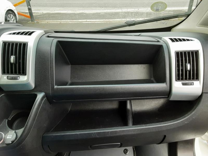 Photo 45 de l'offre de FIAT DUCATO 3.0 C H2 2.0 MJT 115 EURO 6 PACK PRO NAV à 19490€ chez Centrale auto marché Périgueux