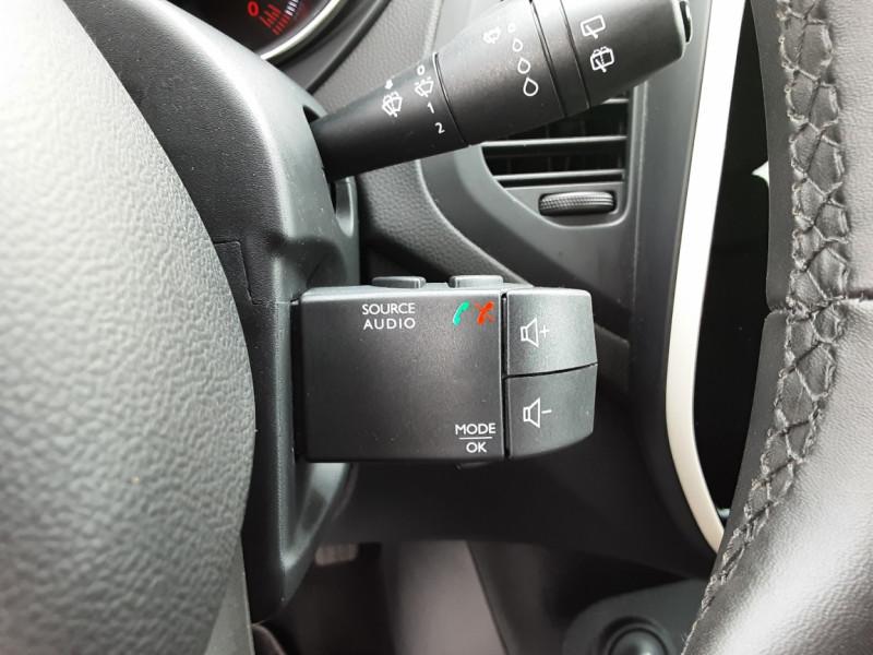 Photo 23 de l'offre de RENAULT CAPTUR dCi 90 E6C Business à 14400€ chez Centrale auto marché Périgueux