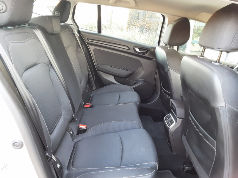 Photo 27 de l'offre de RENAULT MEGANE IV Estate Blue dCi 115 Business à 14500€ chez Centrale auto marché Périgueux