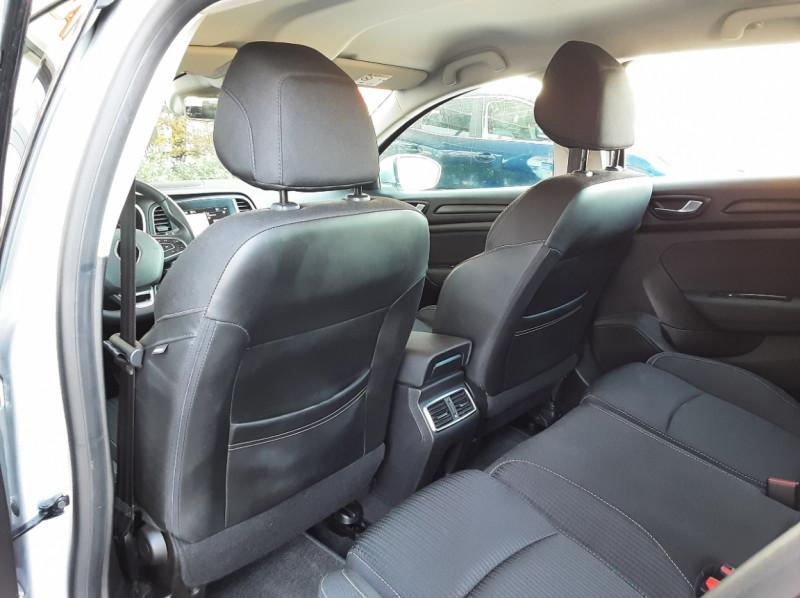 Photo 18 de l'offre de RENAULT MEGANE IV Estate Blue dCi 115 Business à 14500€ chez Centrale auto marché Périgueux