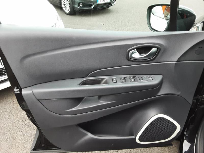 Photo 35 de l'offre de RENAULT CAPTUR dCi 90 E6C Business à 14400€ chez Centrale auto marché Périgueux