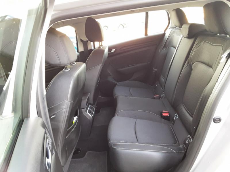 Photo 20 de l'offre de RENAULT MEGANE IV Estate Blue dCi 115 Business à 14500€ chez Centrale auto marché Périgueux